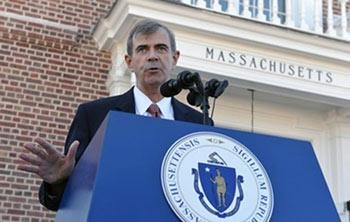 William F. Galvin, Secretário de Estado de Massachusetts. Um dos responsáveis por bloquear a fraude TelexFree e outros esquemas em pirâmide.